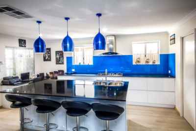Kitchen Remodel+Modern+Fast turn around+Glass splashback