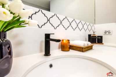 Matt Black+arabesque tile+Apartment+Bathroom Remodel